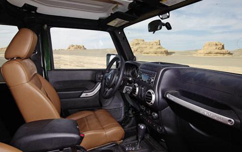 在路上 敦煌雅丹试驾试驾Jeep牧马人