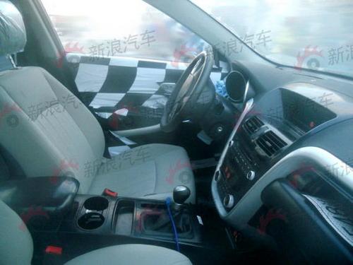 轿车车底盘架结构图