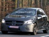 或明年正式发布 奔驰A25 AMG谍照曝光
