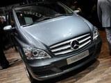 售45.9-67.9万 奔驰唯雅诺两新车型上市