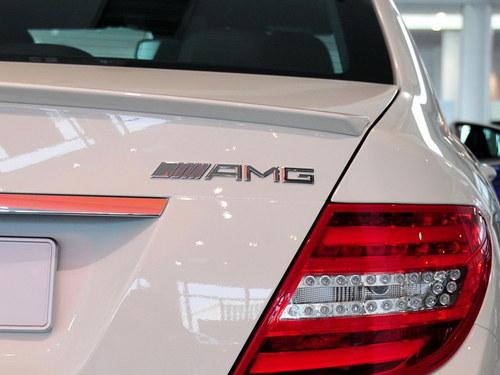 奔驰amg高性能版车型标志高清图片