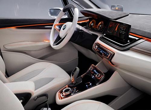 巴黎车展首发 宝马推前驱混动MPV概念车