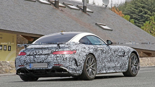 梅赛德斯-AMG GT最新谍照 外观小幅调整