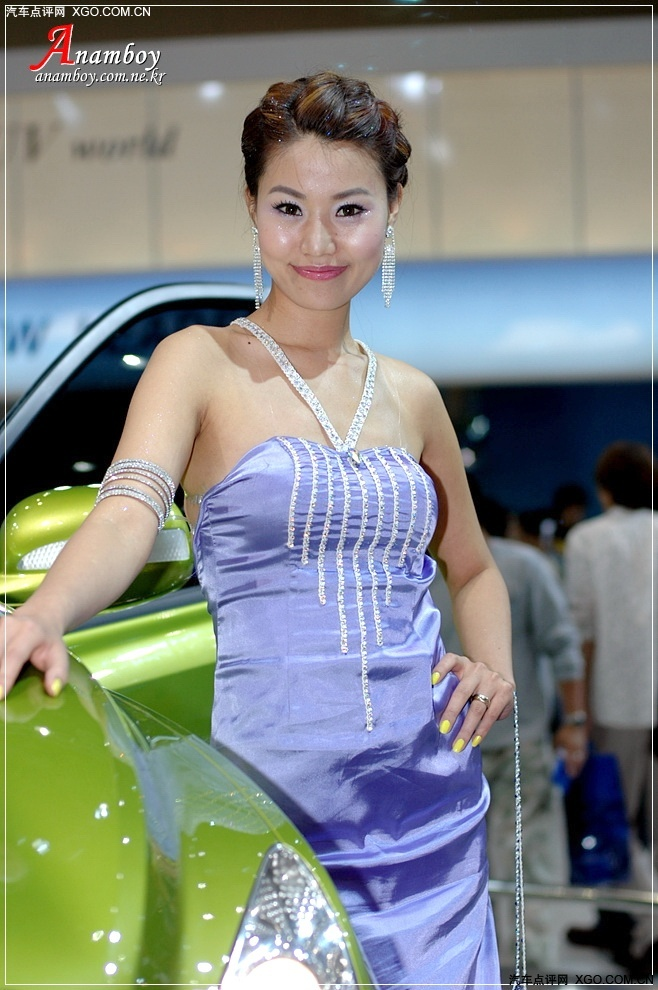 短发美腿美女车模肖莉(7)图片
