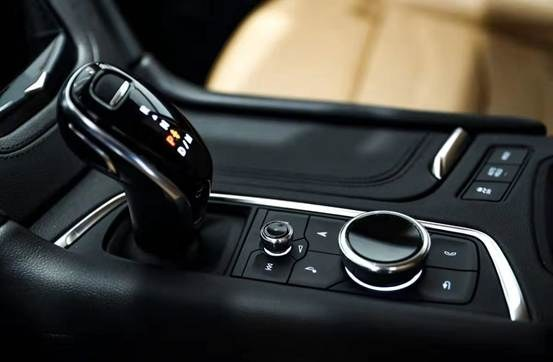 新美式大型SUV 凯迪拉克XT6尊崇上市